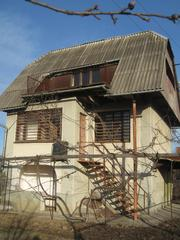Продам будинок з земельною ділянкою