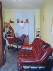 двокімнатна квартира, гараж та дача