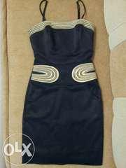 Чорне,  облягаюче плаття