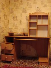 Письменный стол,  компьютерный стол